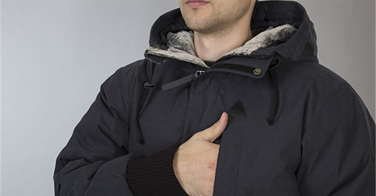 d3d00e4a43fd Коллекция мужских пуховиков этой марки достаточно большая, есть варианты с  надежными и стильными капюшонами, которые имеют мех для дополнительной  защиты.